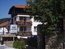 В Чепеларе с нощувка, закуска и родопски специалитет за 17,50 лв. от хотел
