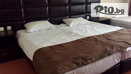 Луксозна SPA почивка във Велинград! Нощувка в Апартамент за до 4-ма + закуски и вечери, СПА зона и басейн от 135лв, в Хотел Здравец Wellness&Spa****