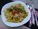 Вкусна италианска паста, свежа салата и чаша вино за 7,50 лв.