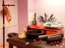 Подводен масаж - тангенторно джакузи и фотонотерапия + кафе масаж на гръб за 22 лв.