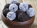Сладки изкушения! 1 кг домашни шоколадови топки с кокос или с шоколад, от Muffin House