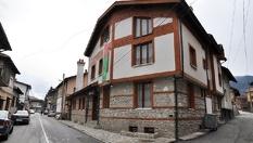 Почивка в центъра на Банско през Май - важи за празниците! 2 или 3 нощувки със закуски, от Хотел Зорница 3*