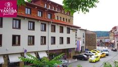 СПА почивка във Велико Търново! 2 или 3 нощувки със закуски и 1 вечеря + 1 СПА процедура, басейн и джакузи на цена от 139лв, от Гранд Хотел Янтра 4*