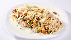 Вкусно хапване у дома или офиса за ДВАМА! Салата моркови с риба тон - 2 порции по 300 гр. + Ризото зеленчуци - 2 порции по 350 гр. и 2 филии хляб само за 13.90лв, от Кулинарна Работилница Deli4i
