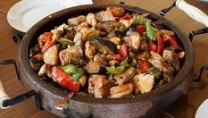 Голям зеленчуков сач или Сач с 3 вида месо - за до 6 човека + 2 пърленки на цени от 15.50лв, Кулинарна работилница Деличи