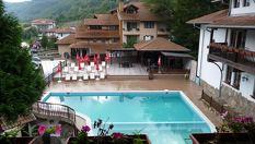 Изгодна почивка край Троян! Нощувка или 2 със закуски и вечери + открит минерален басейн и сауна на цени от 39.55лв, от Хотел Алфаризорт Чифлика 3*