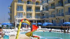 Морска почивка в Равда на 5 минути от плажа! Нощувка със закуска и вечеря + басейн, чадър и шезлонг, от Хотелски комплекс Хит