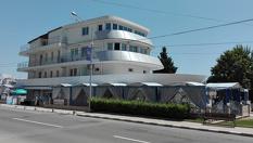 На море в Равда през юни! Нощувка само на 200 метра от плажа в Хотел Кораба Ренеса