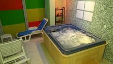 Купон за 8-ми Декември в Хисаря! Нощувка + 1 час самостоятелно ползване на вътрешно джакузи с минерална вода, от Комплекс Детелина