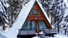 Ски почивка в къщичка в Боровец! Нощувка във вила за до четирима, от Вилно селище Малина 3*