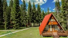 Почивка в Пампорово до средата на Юли! 1 или 3 нощувки във вила за до четирима души, от Вилно селище Малина