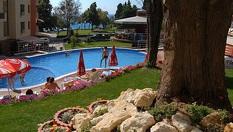 Почивка в Несебър през Юни! Нощувка със закуска и вечеря /по избор/ + басейн и шезлонг, от Комплекс Виго Панорама 3*