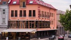 Майски празници в Панагюрище! 2 или 3 нощувки със закуски и вечери + специален гост изпълнител Поли Паскова и СПА зона на цени от 115лв, от Хотел-ресторант Виктория
