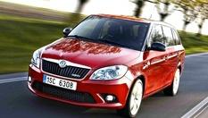 Комплексно VIP почистване на автомобил, мини ван или джип + ПОДАРЪК: 1 л. наливна течност за чистачки само за 8.50 лв. в Автомивката в Бензиностанция ЕКО