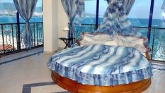 50.37 лв. на човек за 1 или 3 нощувки със закуски и вечери в стая с изглед към морето в Слънчев бряг, от Хотел Чайка Бийч Ризорт****