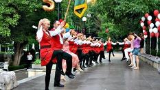"""Да тропнем хорце! 1 или карта за 8 посещения на народни танци от 3 лв, от ФТК """"Българско хоро"""""""