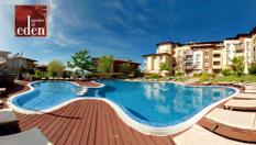Края на лятото в Свети Влас! Нощувка в луксозно студио или апартамент + вътрешен и 8 външни басейна, от Комплекс Райската градина 5*