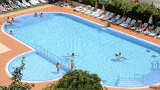 Почивка на 50 метра от морския бряг в Несебър до края на Септември! All Inclusive нощувка + басейн, шезлонг и чадър, от Хотел Арсенал
