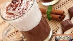 Освежете деня си! 2 горещи шоколада (200 мл.) + 2 кекса (150 гр.) само за 3.50лв, от Barila bar