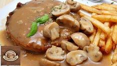 Вкусно хапване в Ресторант Родопска къща! Тристепено меню - салата, основно ястие и десерт само за 6.99лв