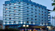 Гергьовден в Бургас! 1, 2 или 3 нощувки със закуски и празнична вечеря + СПА и топъл вътрешен басейн, от Хотел Аква 4*