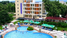 СПА почивка в Хисаря през цялото лято! Нощувка със закуска и вечеря + вътрешен и външен минерален басейн и СПА, от Семеен хотел Албена 3*
