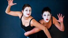 2 часа забавление за детето в Школа за пластически театър Училище за щастие! Обучение по актьорско майсторство, пантомима и съвременни танцови техники - за 9лв