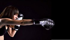 Месечна карта по бокс и кикбокс на цена от 15лв, от Спортен клуб Бастет! За жени, които искат да разчитат само на себе си!