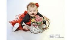 Професионална Семейна или Детска Фотосесия в студио с различни декори + 4 броя обработени кадри с ефекти САМО за 34.90лв, от Фотостудио Фотосесия