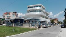 Морска почивка в Равда през Юли! Нощувка само на 200 метра от плажа, от Хотел Кораба Ренеса