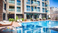 Лятна почивка в Слънчев бряг! Нощувка със закуска и вечеря + басейн, чадър и шезлонг, от Апартхотел Сън Гейт 3*