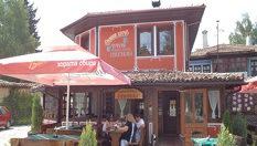 Почивка в Копривщица! Нощувка със закуска само за 21.90лв, от Семеен хотел-механа Чучура