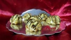 50бр. Eклери с баварски крем, крем капучино или асорти само за 7лв, от Muffin House