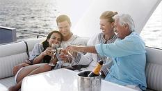 Романтика в морето! 1 час разходка с яхта във Варненския залив или Варненското езеро с чаша шампанско и минерална вода, от Евъргрийн Яхтен туризъм