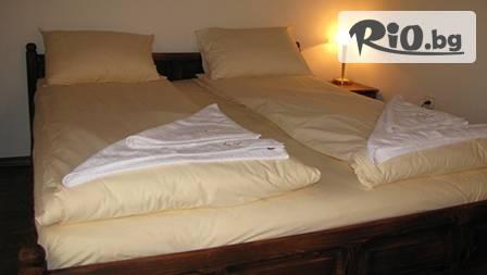 2 нощувки + горещ минерален басейн в с. Марчево + 2 закуски, вечеря и масаж за 59,90 лв. в хотел