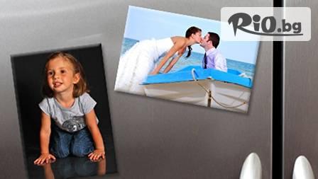 Два фотомагнита за хладилник със снимки по избор за 8 лв. + бонус - цвете от бонбон и есенция от роза!