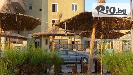 Нощувка, закуска и вечеря на първа линия в хотел Диана Приморско за 37 лв. през юли и август!