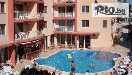 Слънчев бряг: Нощувка в двойна стая + басейн, шезлонг и чадър за 30 лв. в хотел