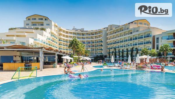 Ранни записвания за 5-звездна лятна почивка в Кушадасъ! 5 или 7 нощувки на база ULTRA All Inclusive в Sea Light Resort Hotel 5*, със собствен транспорт от Глобус Холидейс