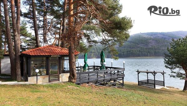 Почивка на брега на язовир Батак до края на Юли! Нощувка със закуска + СПА център, от Семеен хотел Спа Хебър 3*