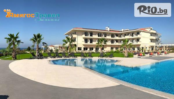 Почивка в Гърция! Нощувка със закуска и вечеря в хотел Кинг Марон 4*, Марония + басейн, чадър, шезлонг и СПА, от Амигос Травъл