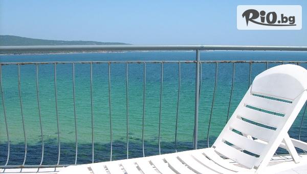 Цяло лято на море в Приморско! Нощувка със закуска и вечеря + БЕЗПЛАТНО за дете до 5г, от Хотел Диана