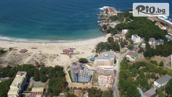 През Септември в Китен! Нощувка на база All Inclusive + басейн, от Хотел Каменец 4* на брега в живописния залив Атлиман