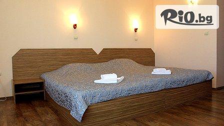 Зимна СПА почивка в Хисаря! Нощувка със закуска + СПА център с вътрешен минерален басейн и джакузи - за 37лв, от Семеен хотел Албена***