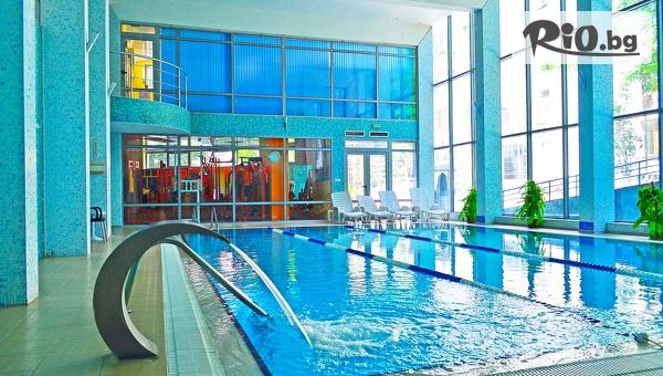 Уикенд почивка в Бургас! 1, 2 или 3 нощувки със закуски + СПА и вътрешен басейн, от Хотел Аква 4*