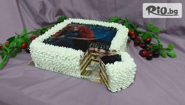 Плодова торта със снимка по избор, 18-20 парчета - пухкав ванилов крем, бели блатове, плодове по избор от череши, боровинки, ягоди или микс, от Сладкарница Черешка