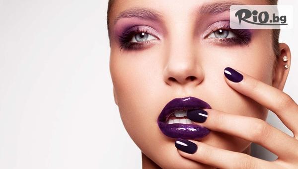 Маникюр с гел лак + 2 декорации или Възстановяваща терапия за нокти, от Beauty Studio Krisima
