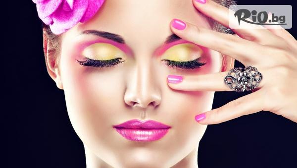 Удължаване и сгъстяване на мигли по методите косъм по косъм, 3D, 6D с 56% отстъпка, от Студио Deja Vu
