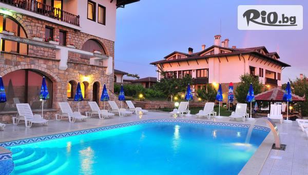 СПА почивка в Арбанаси през Август! Нощувка със закуска и вечеря + външен басейн, топъл релакс басейн и парна баня, от СПА хотел Винпалас