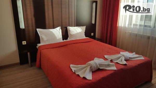 Почивка в Банско през лятото! Нощувка със закуска и вечеря или на база ALL inclusive light + басейн и СПА, от Хотел Марая 3*